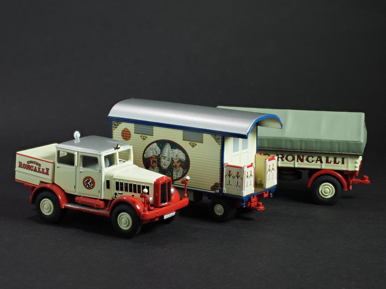 PremiumClassiXXs1/87 ハノマークサーカストレーラー_前